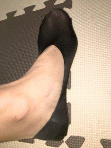 ここピタの浅履きを履いて横から撮った画像