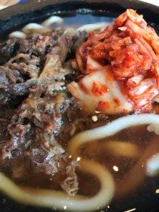 牧のうどんの肉キムチのアップ画像